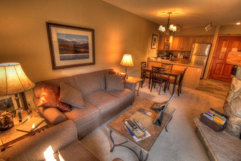 "SkyRun Property - ""8350 Buffalo Lodge"" - Living room - 8350 Buffalo Lodge - Keystone - rentals"