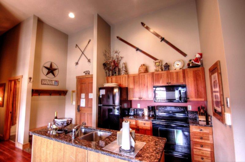 """SkyRun Property - """"2317 Red Hawk Lodge"""" - kitchen - 2317 Red Hawk Lodge - Keystone - rentals"""