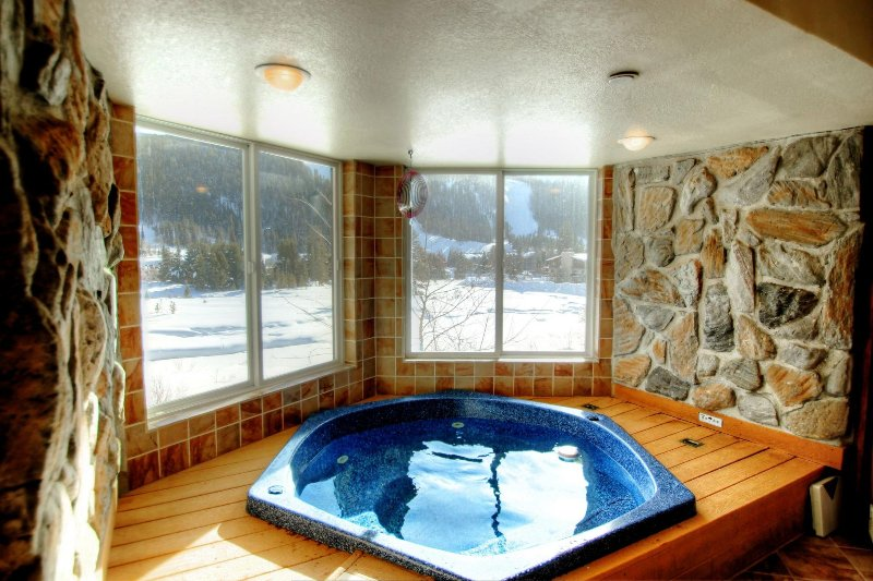 """SkyRun Property - """"CRI221 Cinnamon Ridge"""" - In Room Hot Tub with a view - Overlooking the Snake River and Keystone Resort, this is the best view of the resort that is available. - CRI221 Cinnamon Ridge - Keystone - rentals"""