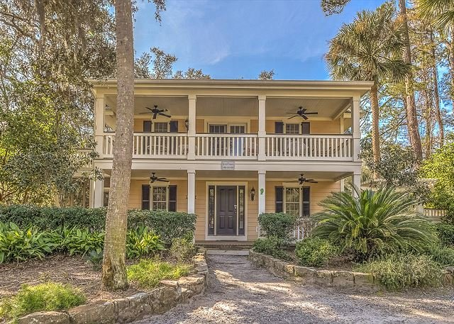 Exterior - 6 Cassina-3rd Row Ocean, steps to the beach. - Hilton Head - rentals