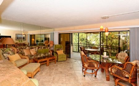 Living Area - Firethorn 722 - Siesta Key - rentals