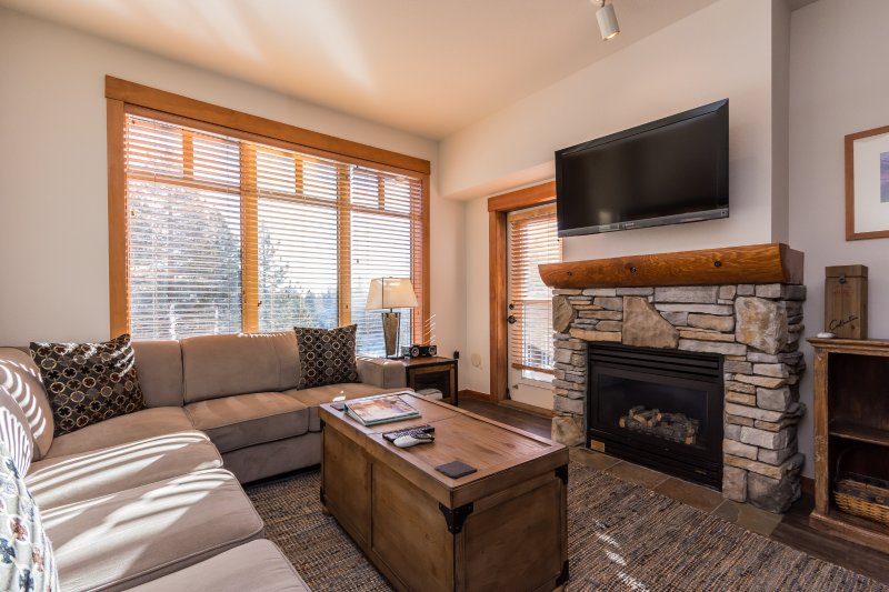 Quiet & Brand New Renovation!!!  - 2BR Condo with Top Floor Village Views - Image 1 - Mammoth Lakes - rentals