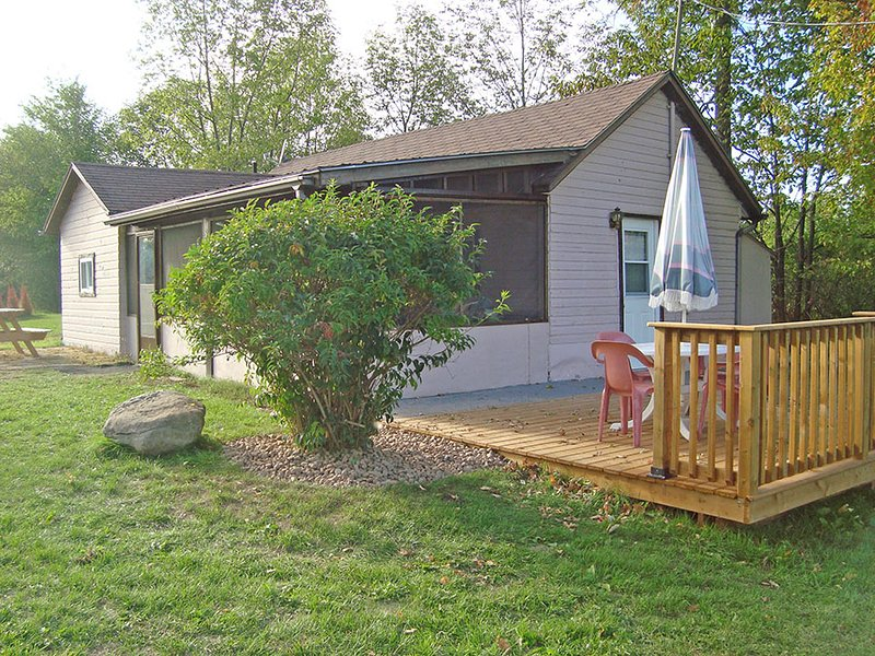 # 3 Home Away From Home cottage (#1063) - Image 1 - Havelock - rentals