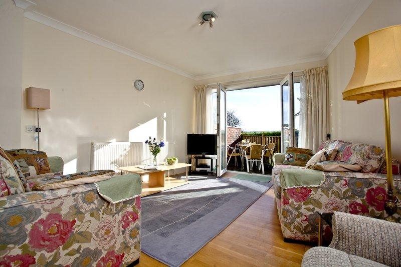 1 Roundham Heights located in Paignton, Devon - Image 1 - Paignton - rentals