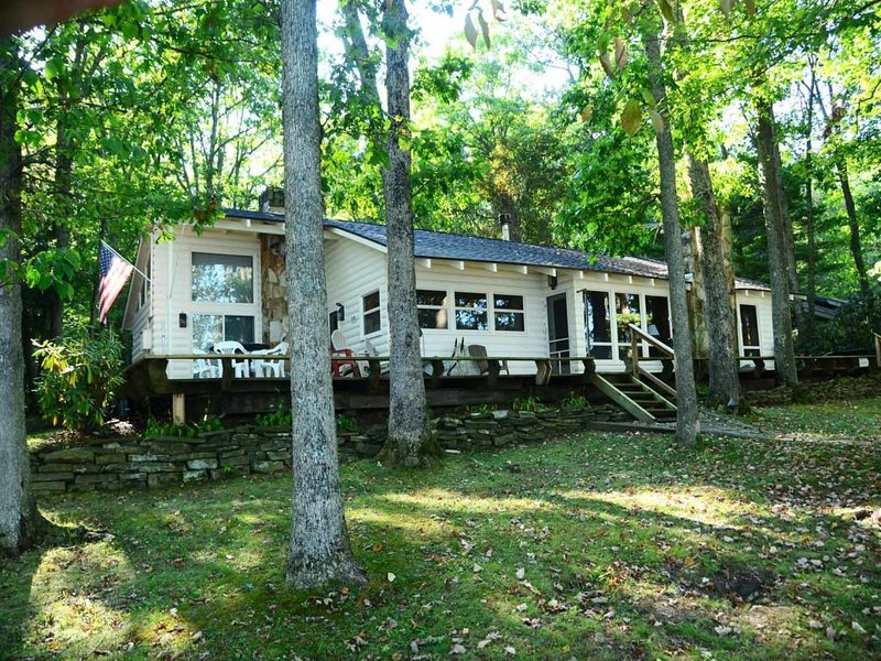 chelsext_13.jpg - Looking for versatility in your vacation retreat? Somewhere both peaceful and wildly sensational? Chelsea's Cottage can accommodate any vibe and any tribe. - Swanton - rentals