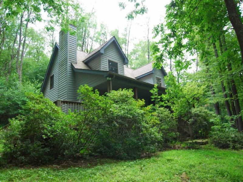 mtnerext_12.jpg - Let the lush abundance of nature surrounding this home awaken inside you a vibrant and vigorous energy. Mountaineer will make an adventurer out of you! - Oakland - rentals