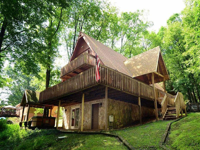 marshext_13.jpg - Capture the feeling of the classic mountain escape at Marsh Hill Chalet, all while staying just a hop, skip, and a jump away from all the best of Deep Creek Lake! - McHenry - rentals