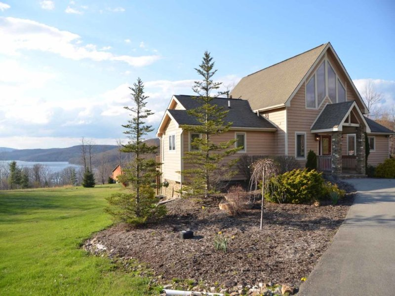 legendextvw_15.jpg - Bring the majesty of nature right to your back door at Legends! Sunrises, sunsets, and countless sun-soaked hours await you from high along this mountain perch. - Swanton - rentals