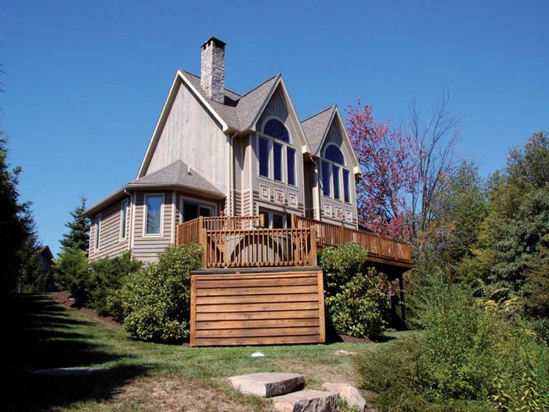 mystcoext_11.jpg - No matter the season, Mystic Cove rocks! Steps to the lake and steps to the slopes! This chalet of driftwood and stone is as fabulous as it is convenient. - McHenry - rentals