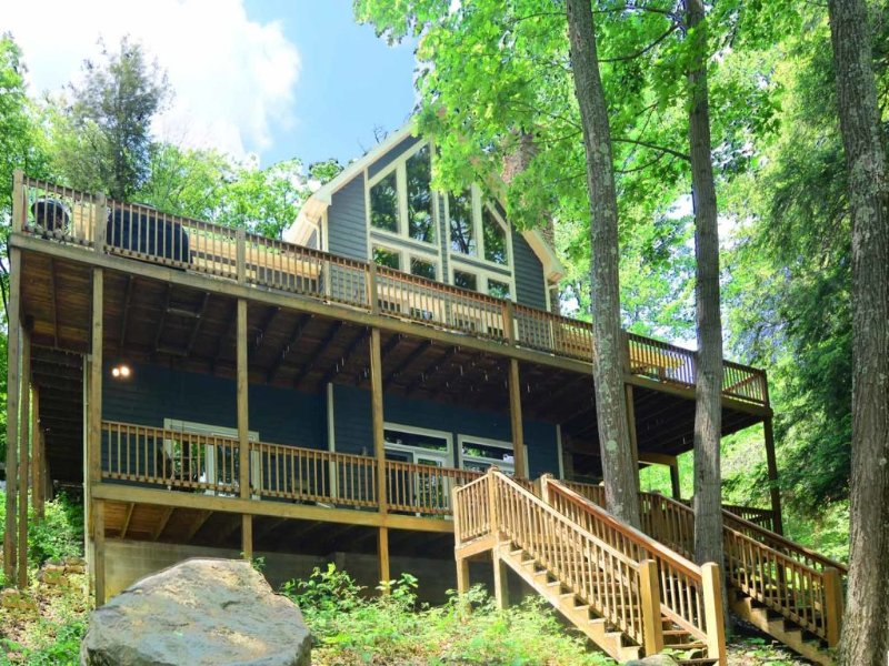 wildlext_13nodistort.jpg - Rustic charm? Meet luxury amenities! Sun or snow, autumn or spring, Wilderness Lodge is an elegant woodlands retreat sure to keep you coming back for more. - McHenry - rentals