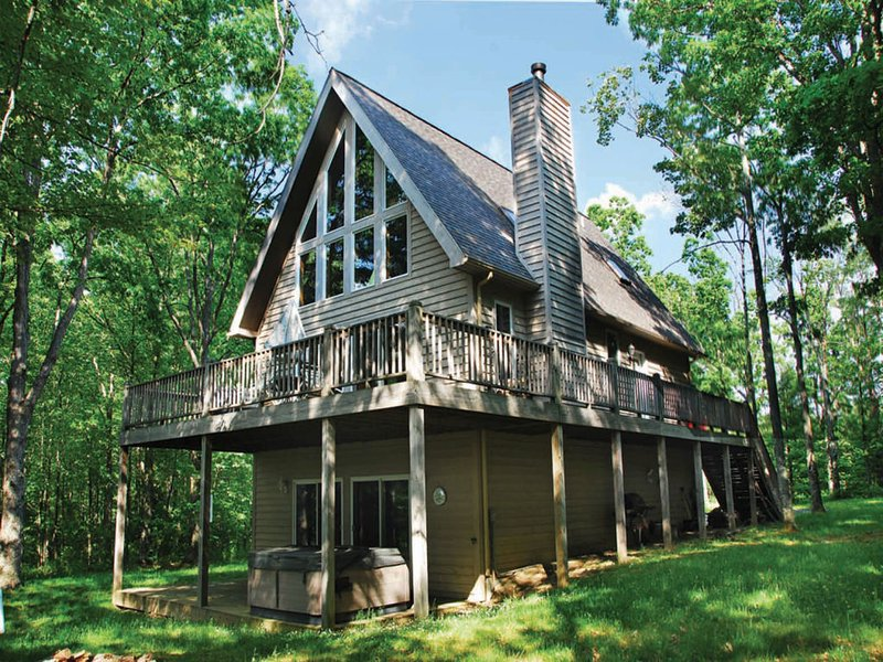 sunlitext3_12.jpg - There is no shortage of thrills at Sunlit Serenity, where breathtaking cathedral ceilings and towering timbers combine to create one show-stopping chalet! - Swanton - rentals