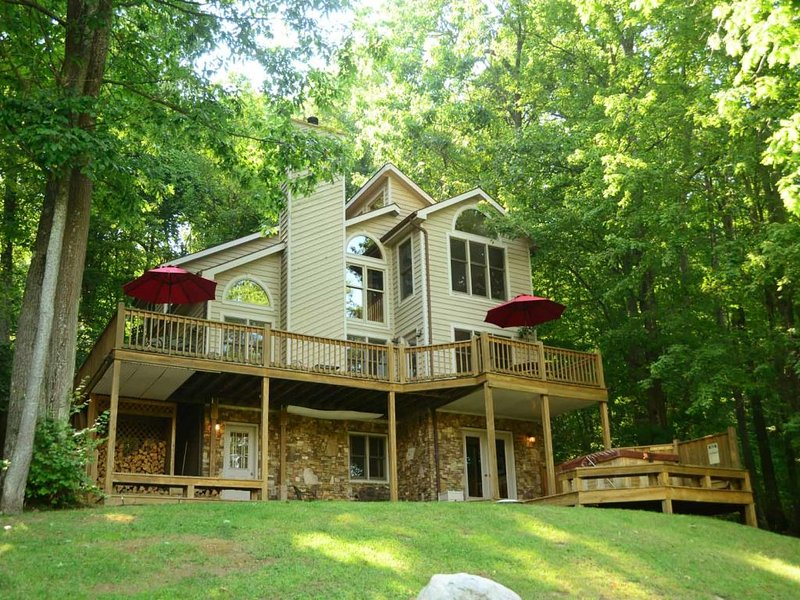droverext2_13.jpg - Perched among the treetops overlooking Deep Creek Lake, this cozy getaway makes you feel right at home. Dreamer's Overlook will make you glad you came! - McHenry - rentals