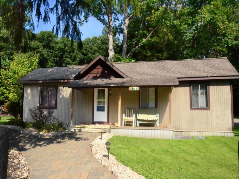 swall3ext_13.jpg - Swallow Falls State Park is a top destination for vacationers and locals alike- and you can stay just around the corner, at Swallow Falls Inn Cabin 3! - Oakland - rentals