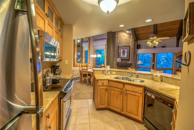Steps to Gondola, Beautiful Interior - Image 1 - Steamboat Springs - rentals