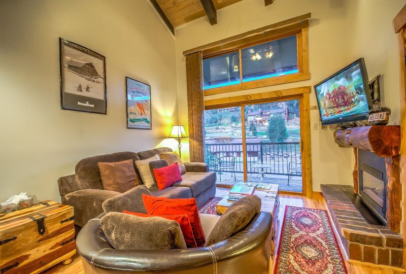Great Top Floor Unit With Mountain Views - Image 1 - Steamboat Springs - rentals