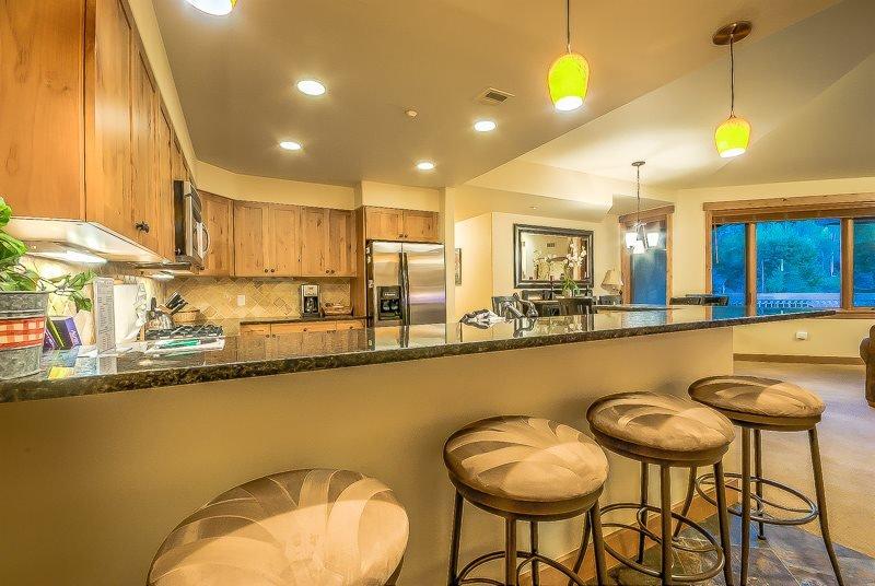 The Best Amenities, Top Floor Luxury Condo - Image 1 - Steamboat Springs - rentals