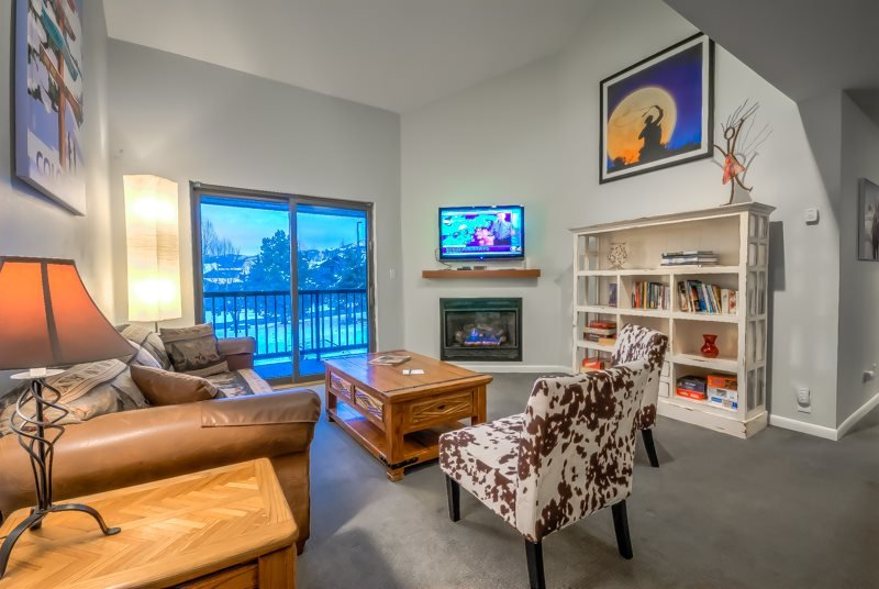 Top Floor Spacious Condo Less Than 3 Blocks From Gondola - Image 1 - Steamboat Springs - rentals