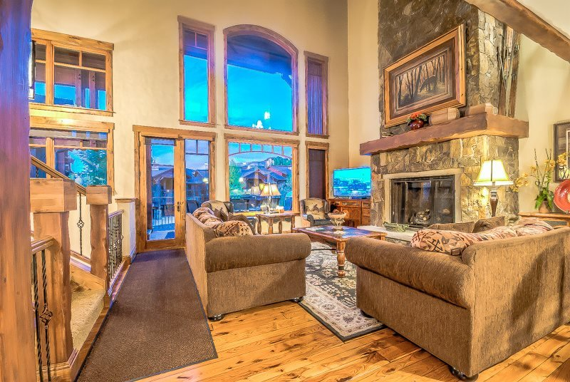 Cimarron Chalet - Luxurious Unit and Great Amenities - Image 1 - Steamboat Springs - rentals