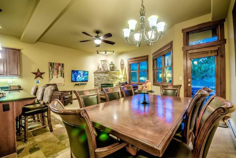 Family Friendly Luxury Townhome Close to the Slopes - Image 1 - Steamboat Springs - rentals