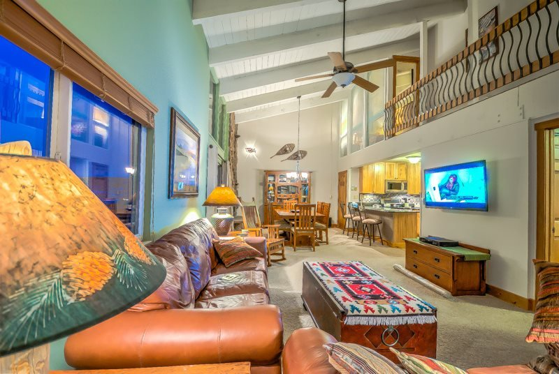 Beautifully Finished Slopeside 3 BD/3BA Top Floor Condo - Image 1 - Steamboat Springs - rentals