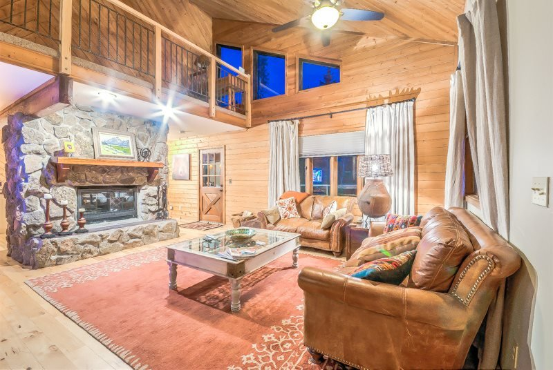 Pet Friendly Home On The Creek, Private Hot Tub, Privacy - Image 1 - Steamboat Springs - rentals