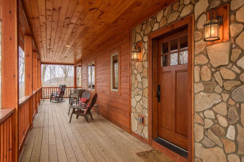 3BR Timber Style Cabin, Hot Tub, Foosball, Pool Table, Leather Furniture - Image 1 - Zionville - rentals