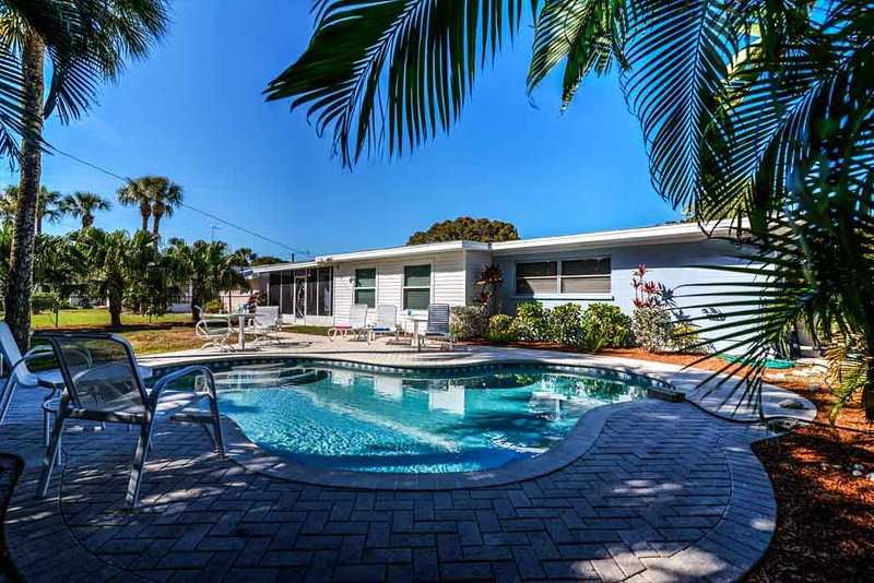 Home with pool - 405 Bay Palms - Holmes Beach - rentals