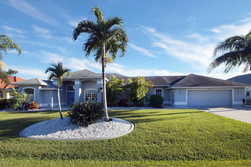 Villa Dolly - Image 1 - Cape Coral - rentals