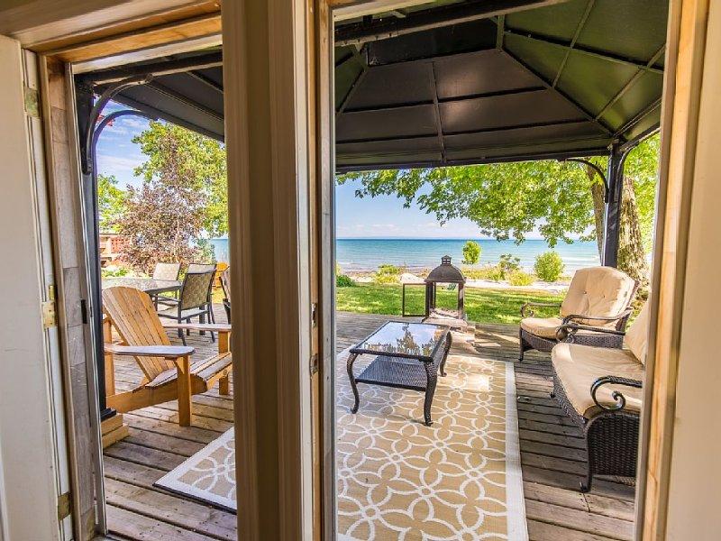 Niagara Beachfront Retreat  Save $100 Book NOW - Image 1 - Niagara Falls - rentals