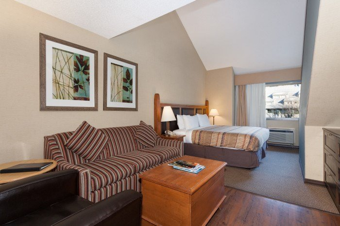 The living area is spacious - Studio + Loft | Blackcomb Lodge, Whistler - Whistler - rentals