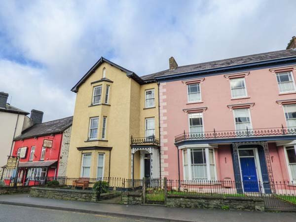 BELMONT HOUSE, many attractions nearby, Llandovery, Ref 935926 - Image 1 - Llandovery - rentals