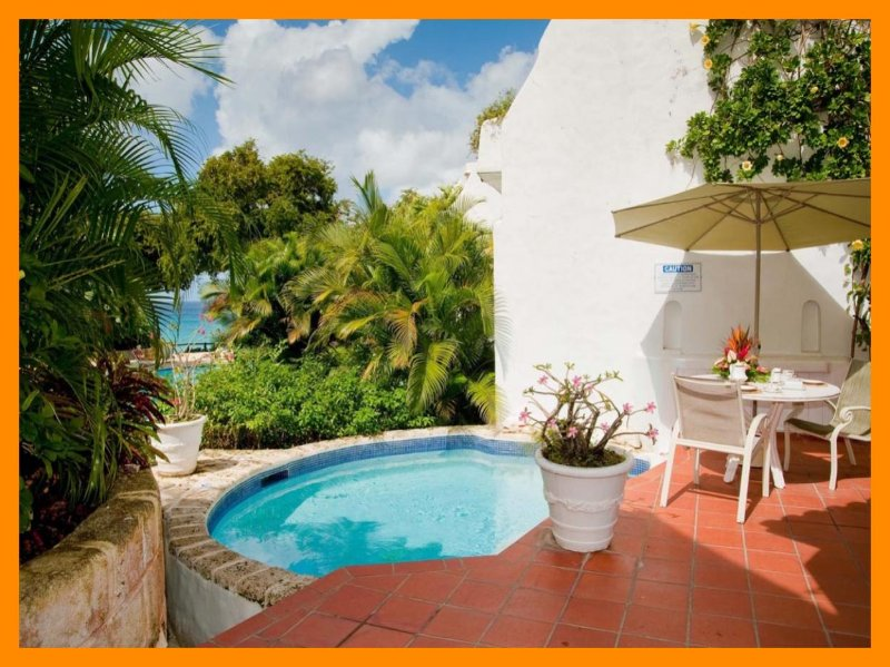 Essential 3 bedroom villa with beautiful views. Swimming pool and balcony - Image 1 - The Garden - rentals