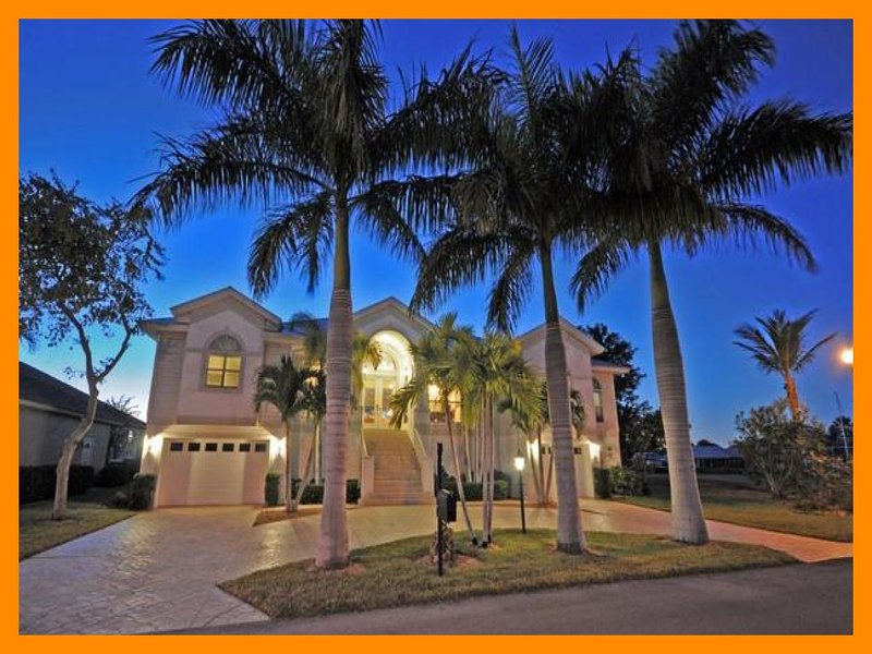 Luxury 4 Bed Villa with Private Pool and Spa - Image 1 - Fort Myers Beach - rentals