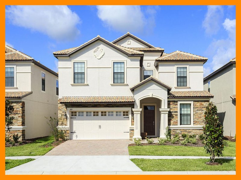 Perfect for large family groups, 8 bedroom luxurious villa with home theatre, games room and gorgeous pool deck - Image 1 - Winter Park - rentals