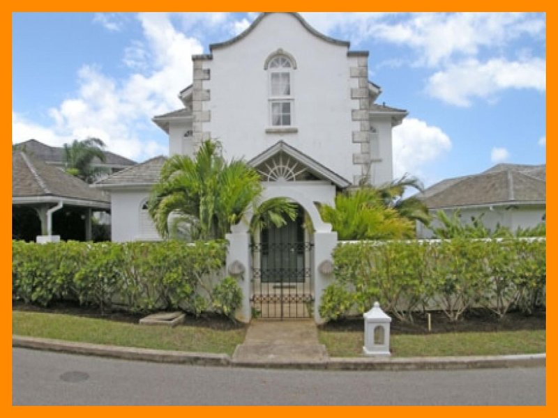 Stunning 4 Bed Home - Private Pool, Ocean Views - Image 1 - The Garden - rentals
