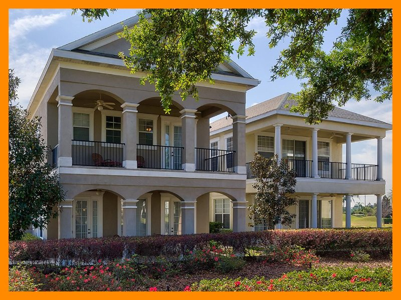 Pet friendly 4 bedroom executive family home with pool and spa - Image 1 - Loughman - rentals