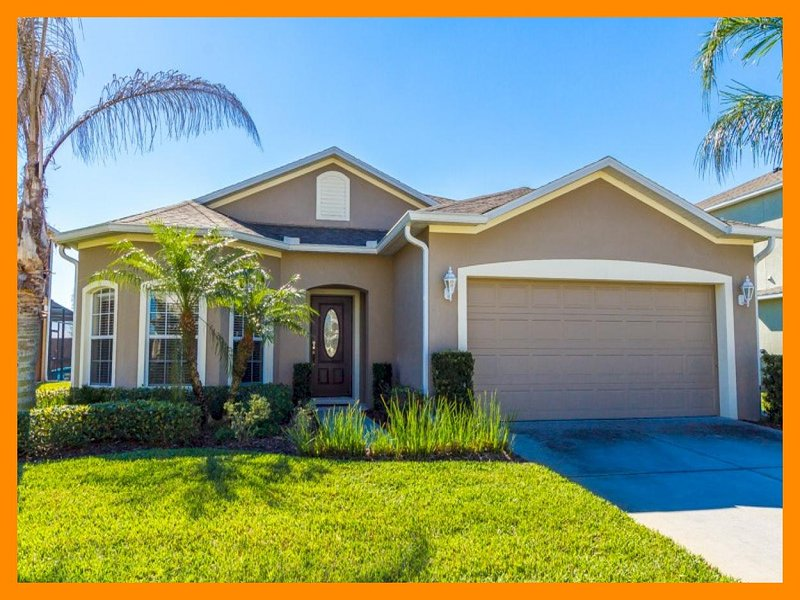 Fantastic 4 Bed Home with Private Pool and Spa - Image 1 - Loughman - rentals