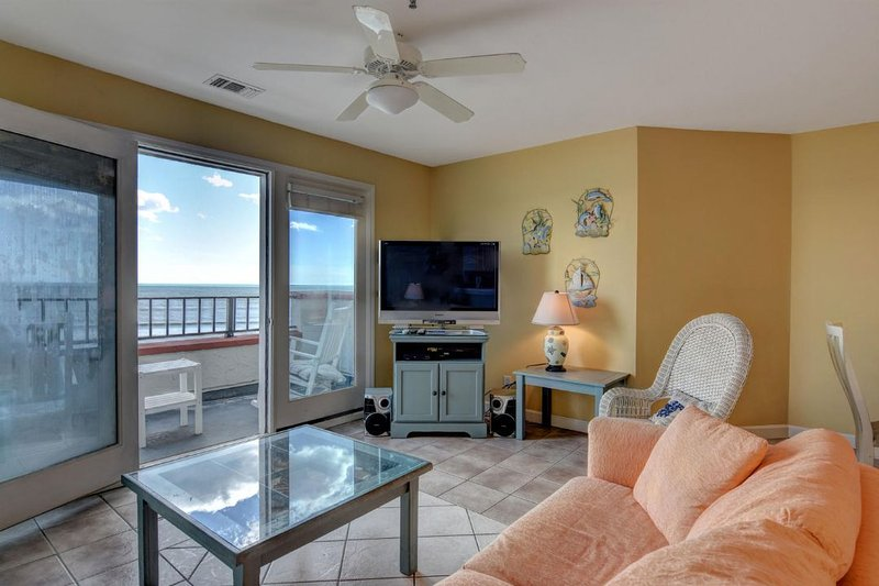 Living Room - Villa Capriani 416-B Oceanfront | 3 Pools, Largest Pool on NC Coast, 2 Hot - North Topsail Beach - rentals