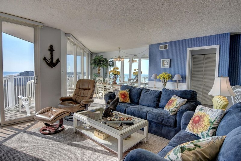 Living Room - St. Regis 1506 Oceanfront!   Indoor Pool, Outdoor Pool, Hot Tub, Tennis Courts - North Topsail Beach - rentals