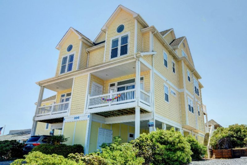 106B S Shore Drive - S. Shore Drive 106 | Heart of Surf City | Elevator |Internet | Direct Oceanfront - Sneads Ferry - rentals