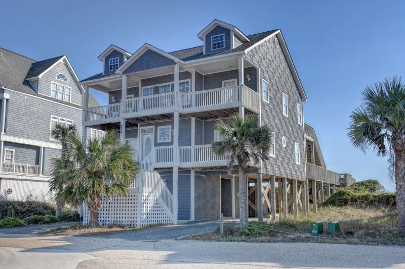 424 New River Inlet Road - New River Inlet Rd 424 Oceanfront! | Private Pool, Jacuzzi, Internet Discounts - North Topsail Beach - rentals