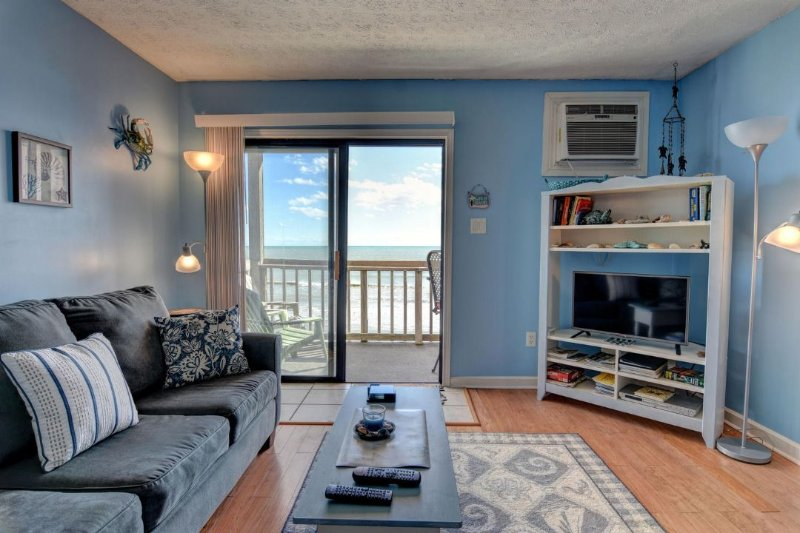Living Room - Topsail Reef 384 Oceanfront! | Building 7, Floor 3, Tennis Courts, Grill Area - North Topsail Beach - rentals