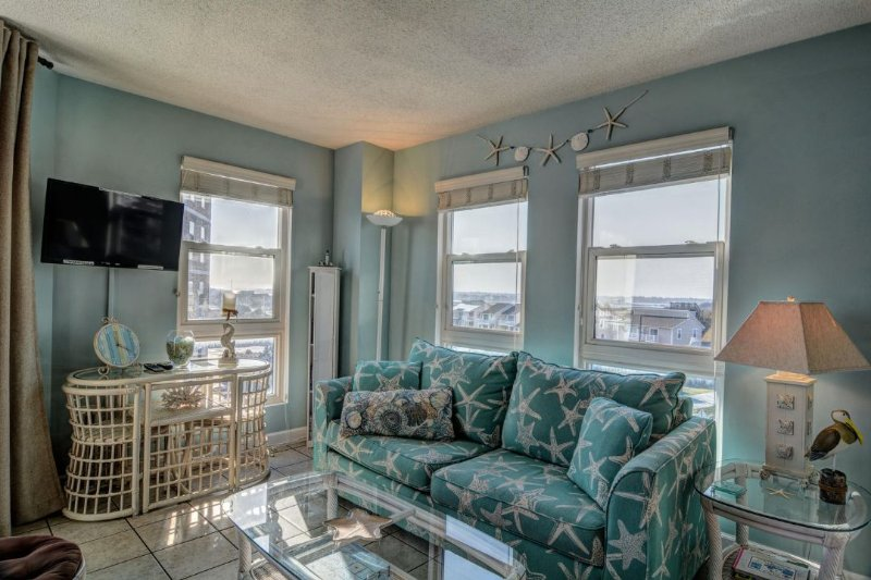 Living Room - St. Regis 2401 Oceanfront! | Indoor Pool, Outdoor Pool, Hot Tub, Tennis Courts - North Topsail Beach - rentals