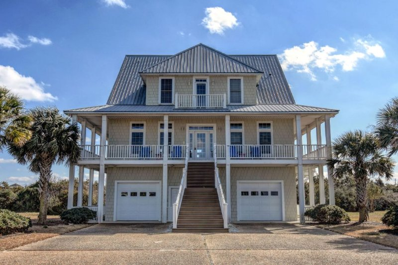4 Sailview Dr - Sailview Drive 4 Oceanview! | Community Pool, Fireplace, Jacuzzi, Internet - North Topsail Beach - rentals