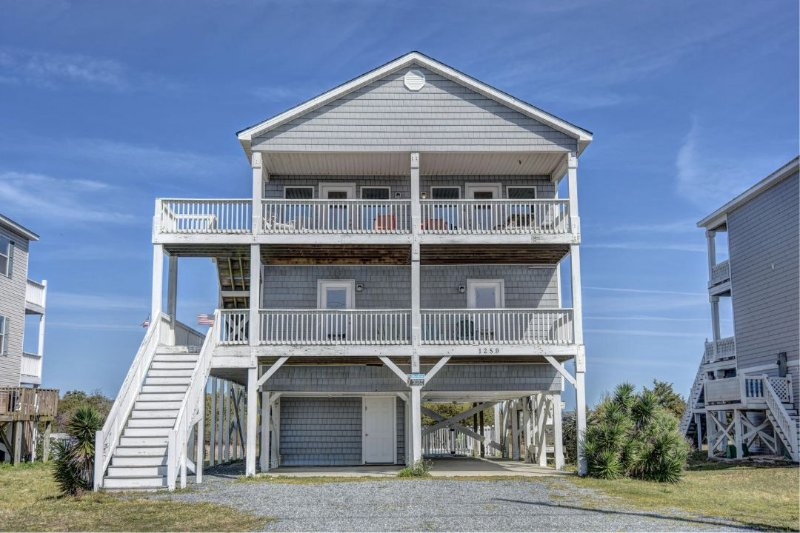 1259 New River Inlet Road - New River Inlet Rd 1259 Oceanview! | Private Pool, Hot Tub, Pet Friendly - North Topsail Beach - rentals