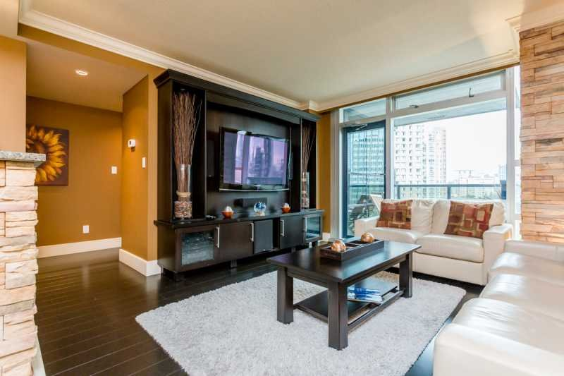 Living Area - Downtown Vancouver 2 Bedroom 2 Bathroom Sheraton Executive Condo - Vancouver - rentals