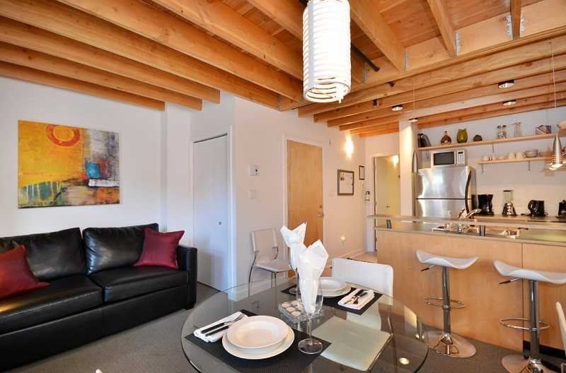 Open plan kitchen, dining, and living room area - Downtown Victoria 1 Bedroom Condo in the Heart of the Historic District - Victoria - rentals