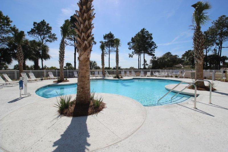 Pool - Oceanfront 2 Bedroom Villa, Renovated - Hilton Head - rentals