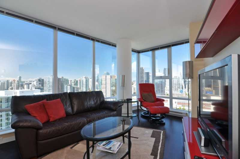 Living area with spectacular city, mountain and water views. - Downtown Vancouver 2 Bedroom Condo With Awesome Views of City and Mountains - Vancouver - rentals