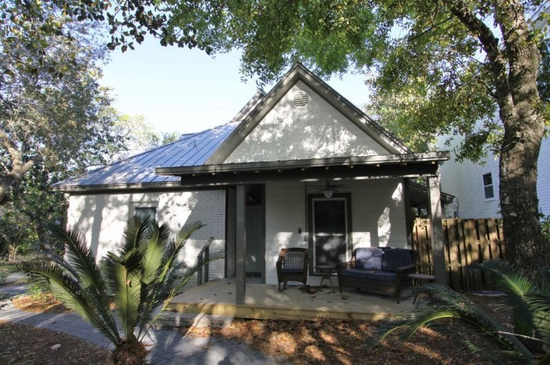 Casa Blanca - in Old Seagrove - Close to the Beach - Casa Blanca - Seagrove Beach - rentals